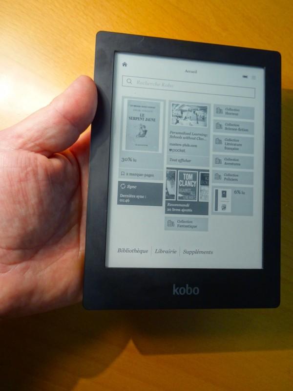 La Kobo Aura HD tient bien en main